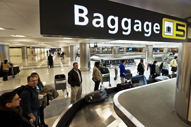 lost-baggage-baggage-reclaim