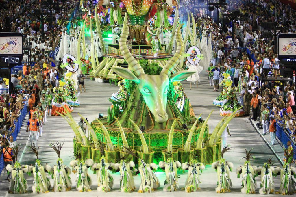 Desfile_de_carnaval_Rio